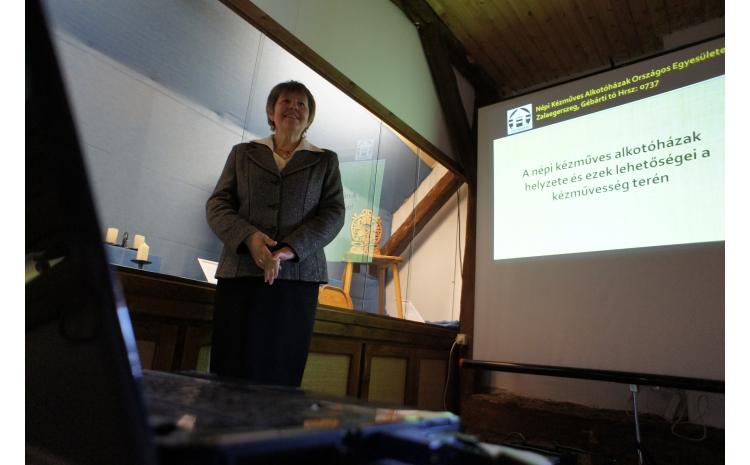 Prokné Tirner Gyöngyi előadása a megnyitón